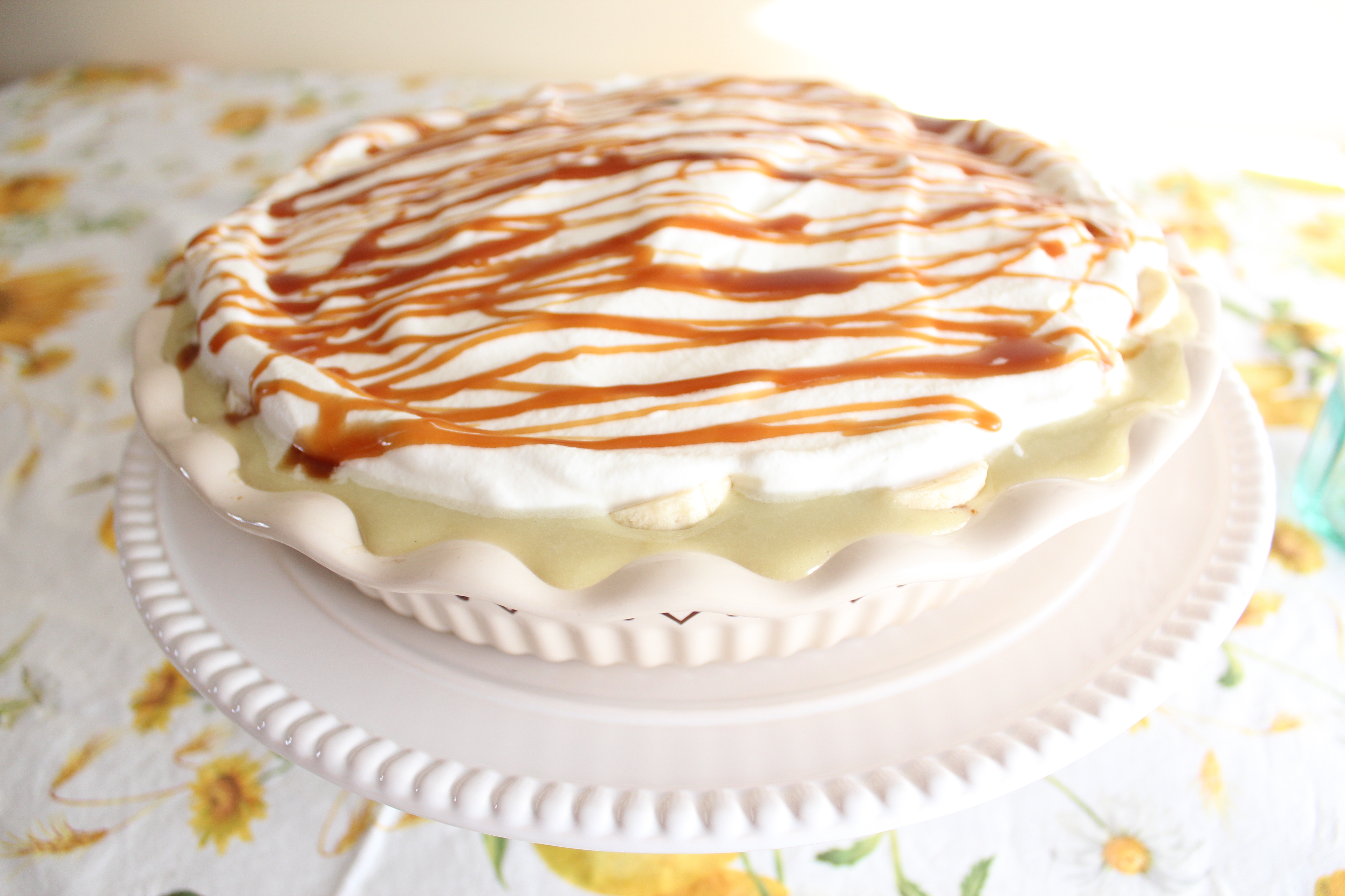 ... the vanilla bourbon cream is creeping over the sides of the pie pan